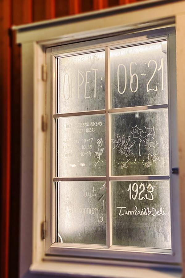 Beitragsbilder Hoch Tunnbroed Fenster